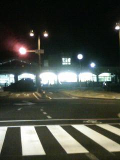 夜の恵那駅前交差点にて